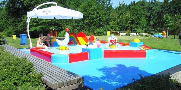 Kinderschwimmbecken
